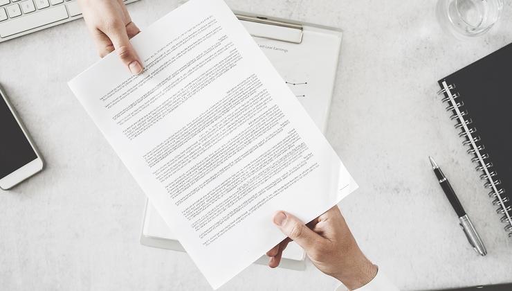 Quais são os tipos de laudos e certificações que um condomínio precisa ter?
