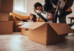 Morar em apartamento, não precisa ser desgastante para as crianças. Conheça as vantagens de morar em um condomínio que possa ser um ponto de diversão.